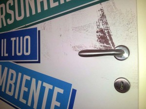 adesivo-porta-particolare