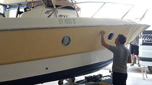 Boat wrapping preparazione dello scafo per decorazione for Arredo barche