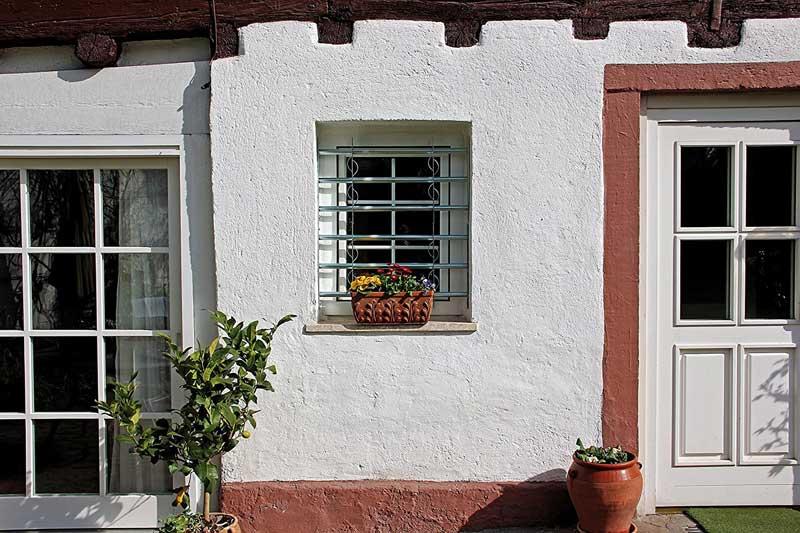 Sistema di sicurezza per finestre spranga estensibile